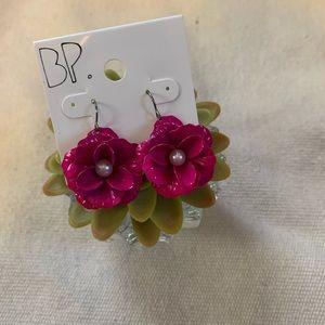 NWT Floral Earrings